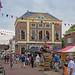 Markt met gebouw 'De Hoofdwacht' - Brielle - Rijksmonument
