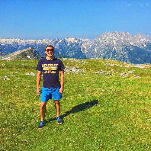 Berkeley alumnus @kyleshackleford took his Cal pride with him to the Bavarian Alps where he spent half his time scaling mountains on his hands and knees and a quarter of his time sliding down random patches of snow. All of that trekking for views like thi