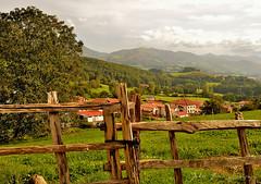 Amaiur (Erre Taele) Tags: village pueblo euskalherria basquecountry navarra paysbasque herria nafarroa amaiur