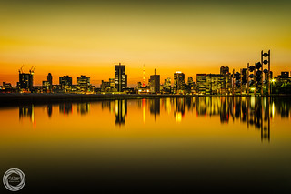 Melt in the Gold, Tokyo Cityscape