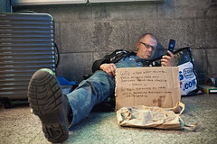 noroombutaview-Marc-0354-2500 (truihanoulle) Tags: station homeless rep luggage gent bagage armoede daklozen noroombutaview marcvl