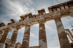 Stelen des Panthenon (Nihil Baxter007) Tags: building architecture real estate ruin athens ruine capitol architektur griechenland bau athen sulen akropolis stelen panthenon immobilie
