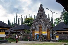 IMGP2331 (vivosi8) Tags: bali indonesia island temple pentax ile k5 dieux beratan indonsie puraulundanuberatan