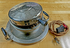 Mid-late 1920s Westinghouse Automatic Waffle Iron (SteveMather) Tags: old 1920s ohio usa iron antique automatic works oh heirloom press maker bakelite waffle mansfield westinghouse keepsake ck4