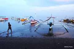 PC130159 (gprana) Tags: bali beach indonesia boat olympus lovina m43 singaraja micro43 microfourthirds olympusomdem5 olympusmzuiko1250mmf3563