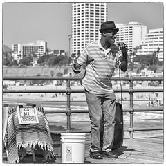 0391 Singing In The Sun (Hrvoje Simich - gaZZda) Tags: singer street music santamonica california outdoor usa performer nikon nikond750 nikkor283003556 hrvojesimich gazzda