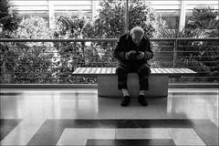 Torino 0411 (malko59) Tags: torino turin street urban 8gallery bench panchina biancoenero blackandwhite