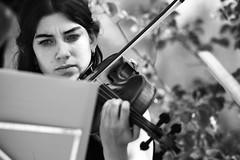 Madrid. 2012. (Jose_Pérez) Tags: madrid boadilladelmonte blancoynegro byn bw música musica music violin girl