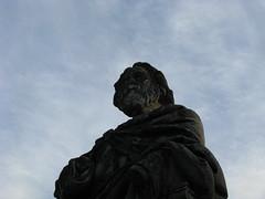 Longfellow statute (Passej) Tags: minneapolis minnesota minnehahapark statue henrywadsworthlongfellow longfellow henrylongfellow