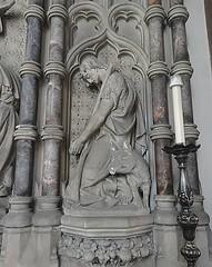 [46058] St Mary (RC), Warrington : North Chapel (Budby) Tags: warrington cheshire church victorian catholic romancatholic sculpture carving altar reredos