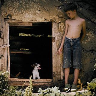 Boy_with_dog