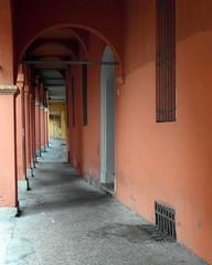 bologna arcades (1) (kexi) Tags: bologna bolonia italy europe arcades old orange perspective empty vertical samsung wb690 2015 october instantfave hccity