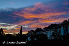 Abendsonne (Bernsteindrache7) Tags: autumn sony alpha 100 sky color city clouds build heaven himmel house red blue sunset landscape outdoor