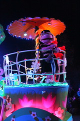 Sesame Place: Neighborhood Street Party Christmas Parade - Prairie Dawn (wallyg) Tags: amusementpark buckscounty langhorne neighborhoodstreetpartychristmasparade neighborhoodstreetpartyparade parade pennsylvania prairiedawn sesameplace themepark sesamestreet