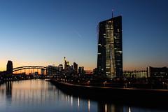 EZB zur blauen Stunde. (Maximilian_1234) Tags: ezb ecb frankfurt blaue stunde