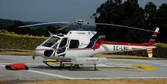 AS-350 Ecureuil (Andreu Anguera) Tags: helicóptero apagafuegos as350ecureuil eclbu pontevedra galicia andreuanguera