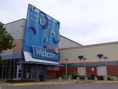 Cincinnati Mall (Travis Estell) Tags: retail mall shoppingmall deadmalls deadmall cincinnatimills mallentrance deadretail forestfairmall cincinnatimall deadshoppingmall shoppingmallentrance forestfairvillage