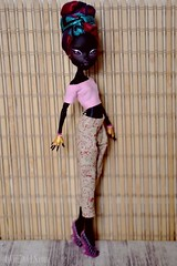 Nneka (OOAK Monster High doll) (U N N I E D O L L S) Tags: blackdoll blacklady monsterhigh monsterhighdoll monsterhighrepaint ooakmonsterhigh blackbjd cattynoir cattynoirdoll darkbjd cattynoirrepaint ooakcattynoir