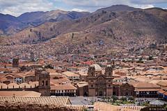Plaza de Armas del Cusco (oeyvind) Tags: peru cuzco cusco perú per iglesiadelacompañíadejesús plazadearmasdelcusco catedraldelcusco catedralbasílicadelavirgendelaasunción xf50140mm