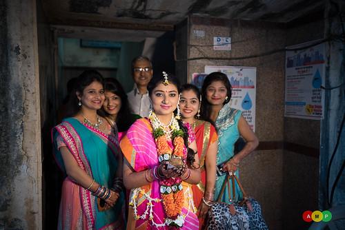 Bride leaving her residence in Ghatkopar