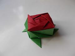 Rose box by Ms. Ayako Kawate (Chouett'origami) Tags: origami rose box bote ayakokawate noa origamiboxes