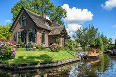 small Venice of the north (Ke Imhoff (Red Lens)) Tags: giethoorn boat cruise sky blue sun clouds venice veniceofthenorth north netherlands niederlande holland ride canals kanal house nikon d5500 sigma