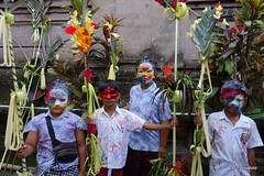 DSC05599 (Peripatete) Tags: bali indonesia ceremony hinduism religion spirituality ngerebeg temple children colors