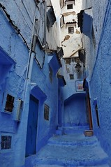 A dead end? (SM Tham) Tags: africa morocco chefchaouen thebluecity thebluepearl unescoworldheritagesite buildings houses homes street alley deadend entrances doors windows blue downpipes lamp meterboxes wires cables outdoors
