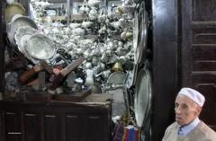 Usato (claudiophoto) Tags: fes marocco morocco africa medina market mercato robevecchie rigattiere usato singer robeusate secondamano commercio unesco