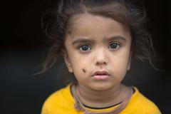 Inde: jeune enfant dans le village de Barli (Rajasthan). (claude gourlay) Tags: inde india asie asia indedunord northindia claudegourlay portrait face retrato ritratti people rajasthan barli enfant child