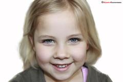 Girl (mauricekrassenburg) Tags: canonefs1855mmf3556 finn thebeatles canoneos1000d