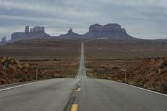 Monument Valley (muhilan.mg) Tags: arizona nikon landscape 80200 road outdoor