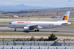 EC-LUC  MAD (airlines470) Tags: airport express msn mad a320 iberia 1059 a320214 echag ecluc