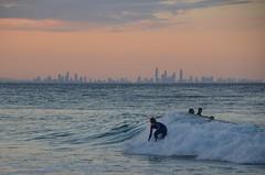 Surfeur et buildings