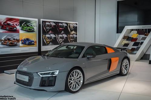 Audi R8 V10 Plus Nardo Grey
