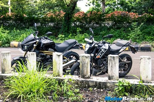 Mahindra-Mojo-vs-KTM-Duke-200-08