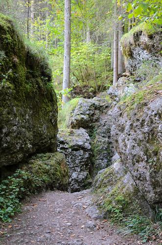 Wanderweg zwischen Schöngrundsee und Teufelshöhle