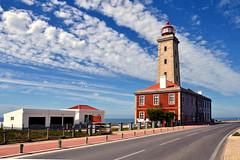 Farol do Penedo da Saudade - S. Pedro de Moel (Yako36) Tags: sea lighthouse portugal mar farol spedrodemoel marinhaportuguesa nikon18105 nikond7000