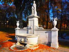 Brunnen (1elf12) Tags: autumn brunnen herbst unesco sanssouci potsdam lustgarten