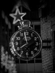 What's the time Mr Clock? (SimplSam) Tags: christmas street building london clock closeup architecture night circle giant stars lumix big exterior bokeh watch detroit citylife nopeople structure panasonic numbers round carnabystreet hanging narrow built 1069 g7 argonite shinola leadingperspective