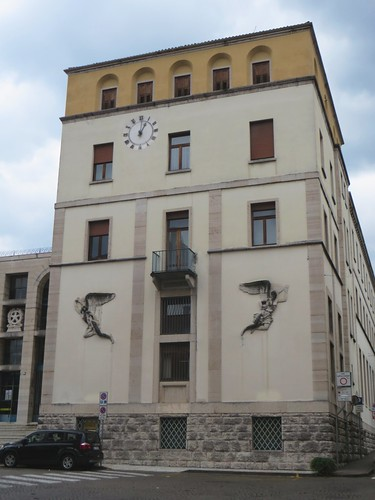 Poste Italiane, art déco, Piazza del Duomo, Belluno, province de Belluno, Vénétie, Italie.