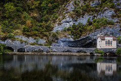 The Perfect House for Peaceful Holidays. (QuentinBauw) Tags: nature holidays cahors south france europe travel autumn lake d810 50mm niftyfifty