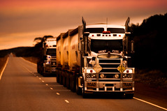 Short Fuse (Richard Mart1n) Tags: truckin truckers australia travel nikon d5000