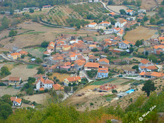 guas Frias (Chaves) - ... vista da Aldeia (2009) desde o Castelo ... (Mrio Silva) Tags: guasfrias aldeia chaves trsosmontes portugal ilustrarportugal madeinportugal mriosilva novembro outono 2016 lumbudus natureza