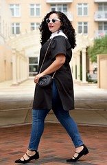 How To Transition your Off-Shoulder Top into Fall (GirlWithCurves) Tags: taneshaawasthi girlwithcurves curlyhair plussize howto offshouldertop fallfashion