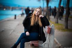 Girl on bench (Vagelis Pikoulas) Tags: girl woman bench budapest pest river dunave bokeh canon 6d tamron 70200mm vc november autumn 2016 model