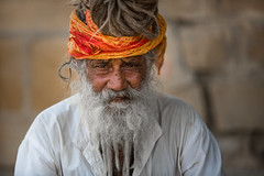 Inde: Rajasthan, le saddhu de jaisalmer. (claude gourlay) Tags: inde india asie asia azie indedunord northindia claudegourlay sadhu saddhu sadou hindu hindouisme religion face people portrait retrato ritratti jaisalmer rajasthan