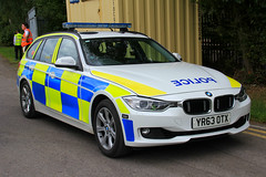 Humberside Police BMW 330d Touring Serious Collision Unit Car (PFB-999) Tags: humberside police bmw 330d 3series touring estate serious collision unit traffic car vehicle roads policing rpu lightbar grilles fendoffs leds yr63otx kc stadium hull