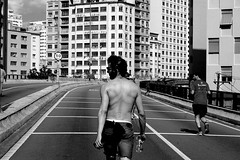 (MatMendofoto) Tags: monochrome blackandwhite bnw pretoebranco streetphotography streetlife urbanphotography urbanshots saopaulo nikon nikond40 streetphoto