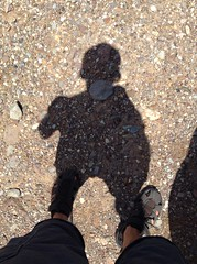 Sore throat (r3nn3r) Tags: shadow rock sombra gravel piedra